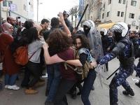 Filistin polisi, Basil el-A'rac ve yoldaşları için yapılan gösterilere saldırdı