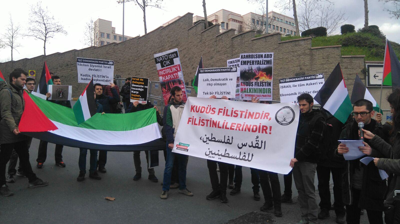 BDS Trkiye Tarafndan Stanbul Stinyedeki ABD Konsolosluu Nnde Kuds Filistindir Filistinlilerindir Temasyla Bir Basn Aklamas